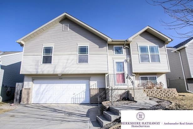 19514 U Street, Omaha, NE 68135 (MLS #21803616) :: Omaha Real Estate Group