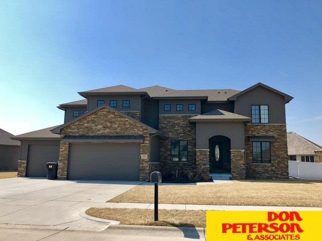 1345 Maplewood Drive, Fremont, NE 68025 (MLS #21803667) :: Omaha Real Estate Group