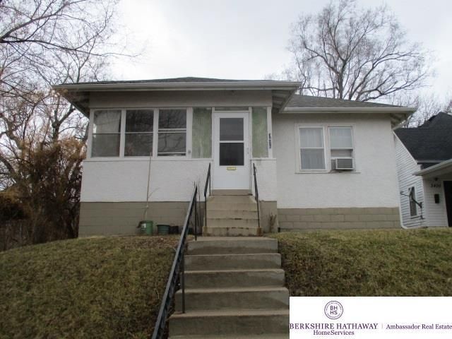 3426 N 45 Street, Omaha, NE 68104 (MLS #21804409) :: Nebraska Home Sales