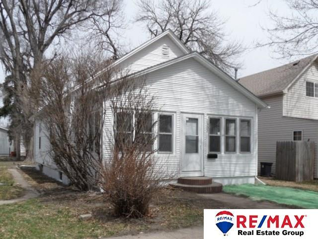 2302 Avenue D, Council Bluffs, IA 51501 (MLS #21805845) :: Omaha's Elite Real Estate Group