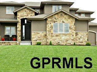 7607 S 197th Street, Gretna, NE 68028 (MLS #21806060) :: The Briley Team