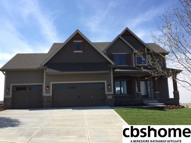 12509 Cove Hollow Drive, Papillion, NE 68046 (MLS #21806100) :: Omaha's Elite Real Estate Group