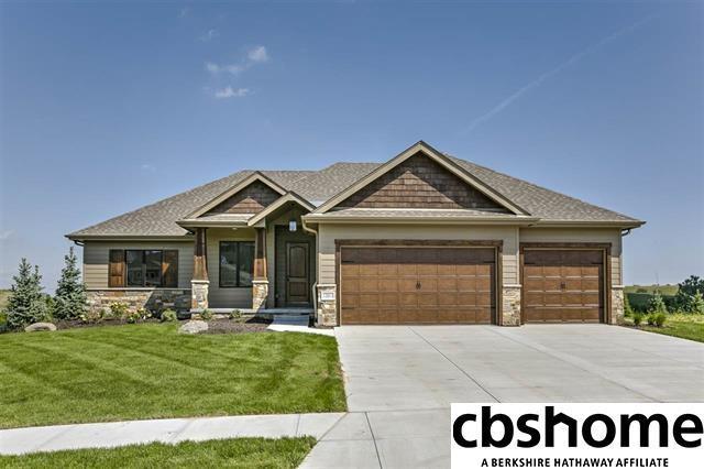 10205 S 106th Street, Papillion, NE 68046 (MLS #21806185) :: Omaha Real Estate Group