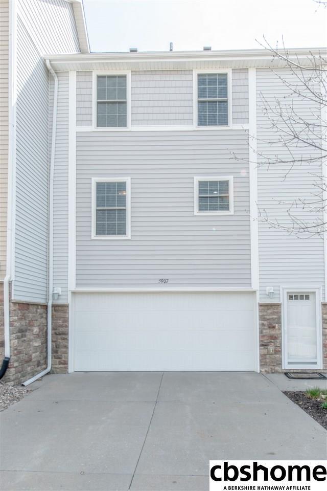 5907 N 166th Court, Omaha, NE 68116 (MLS #21806768) :: Omaha's Elite Real Estate Group