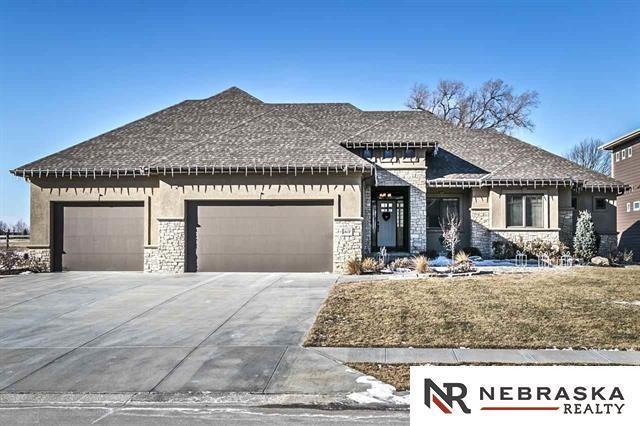 19014 Nicholas Circle, Omaha, NE 68022 (MLS #21808360) :: Omaha's Elite Real Estate Group
