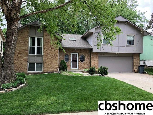 15211 Burt Street, Omaha, NE 68154 (MLS #21808570) :: Omaha's Elite Real Estate Group
