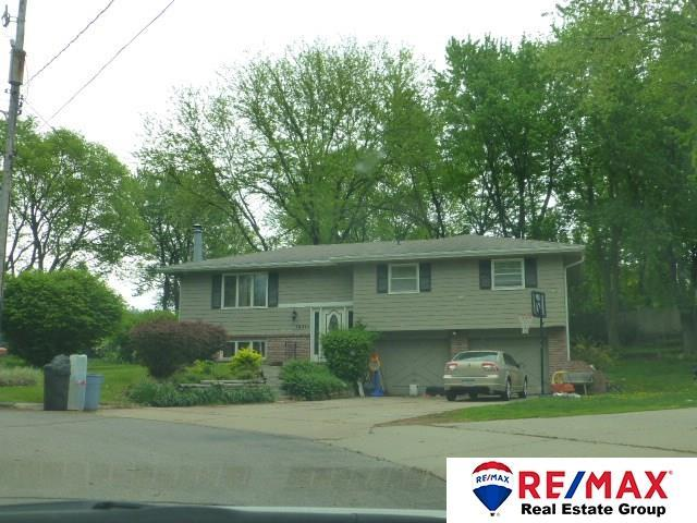 19971 Beverly Manor Lane, Council Bluffs, IA 51503 (MLS #21809780) :: Omaha's Elite Real Estate Group