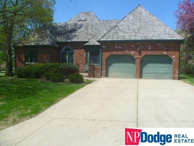 12024 Washington Plaza, Omaha, NE 68137 (MLS #21810175) :: Omaha's Elite Real Estate Group