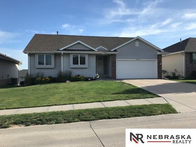 16224 Heather Street, Omaha, NE 68136 (MLS #21810801) :: Complete Real Estate Group