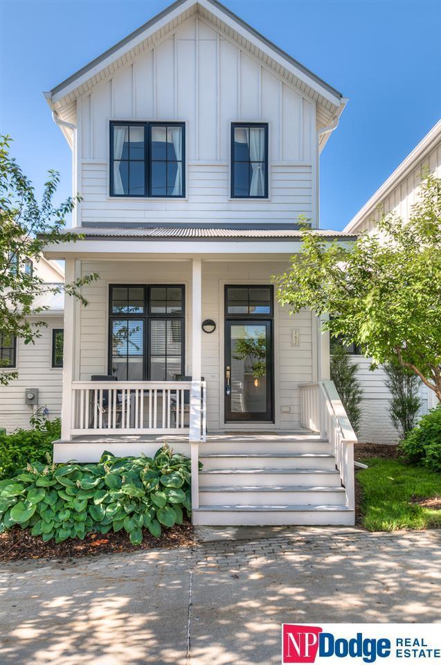 707 Caniglia Plaza, Omaha, NE 68108 (MLS #21813207) :: Nebraska Home Sales