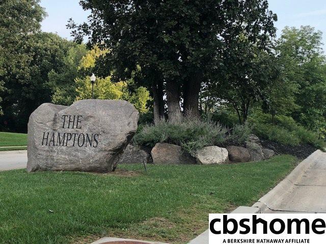 23722 P Street, Elkhorn, NE 68022 (MLS #21813928) :: Omaha's Elite Real Estate Group