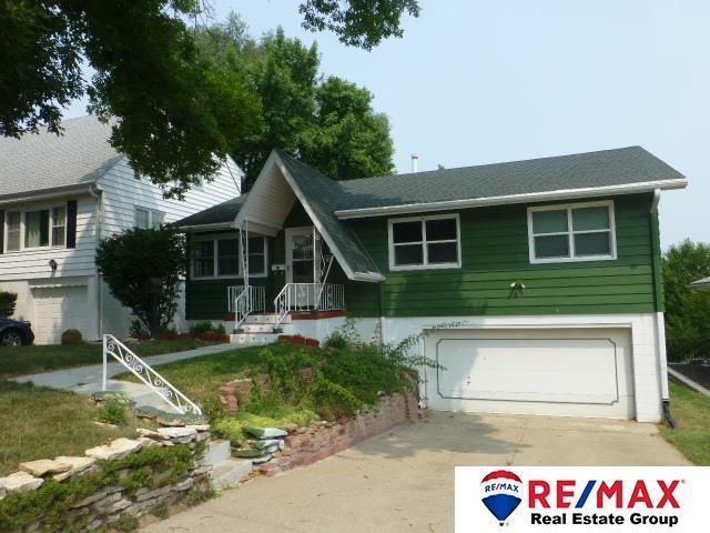 4676 Oak Street, Omaha, NE 68106 (MLS #21814785) :: Omaha Real Estate Group