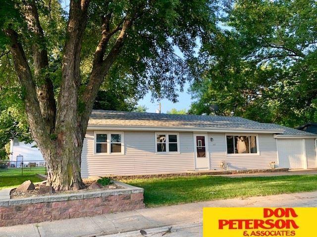 307 W Whittingham, Valley, NE 68064 (MLS #21814807) :: Nebraska Home Sales