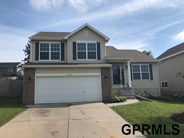 19409 T Street, Omaha, NE 68135 (MLS #21816224) :: Omaha's Elite Real Estate Group