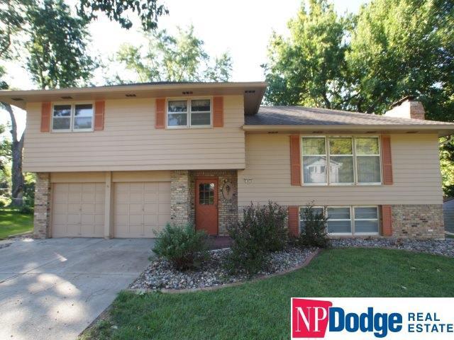 11671 Douglas Street, Omaha, NE 68154 (MLS #21816834) :: Omaha's Elite Real Estate Group