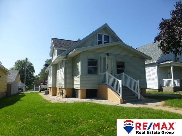 3639 V Street, Omaha, NE 68107 (MLS #21817385) :: Omaha Real Estate Group