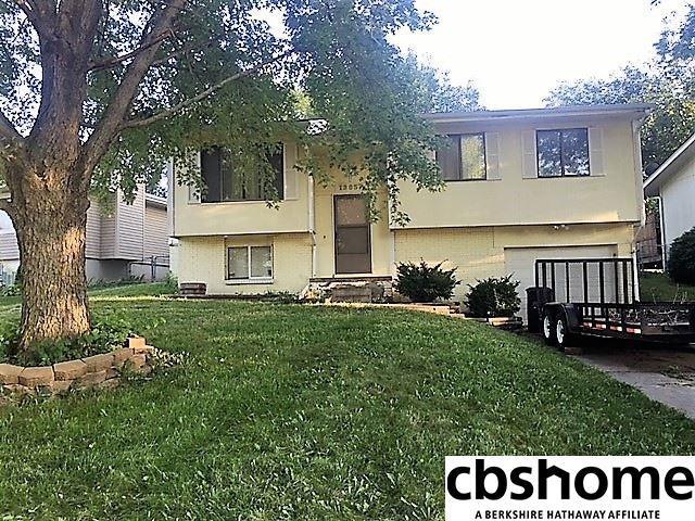 13857 V Street, Omaha, NE 68137 (MLS #21817386) :: Omaha Real Estate Group