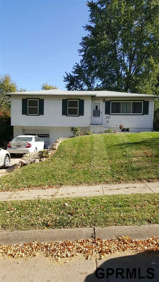 3229 S 90Th Street, Omaha, NE 68124 (MLS #21817584) :: Omaha Real Estate Group