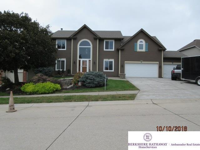 17801 Shadow Ridge Drive, Omaha, NE 68130 (MLS #21818621) :: The Briley Team