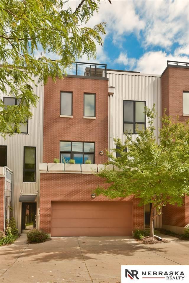 913 S 10 Court, Omaha, NE 68105 (MLS #21818813) :: Omaha's Elite Real Estate Group