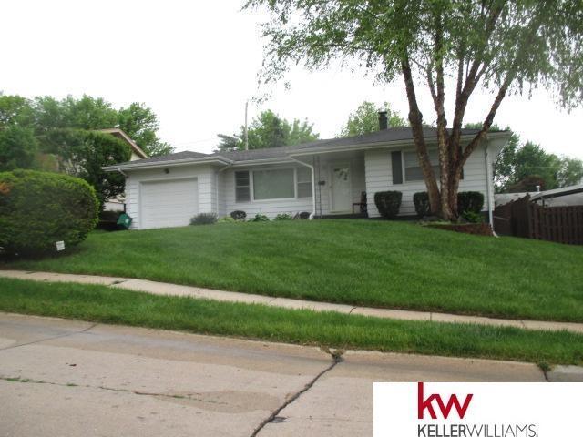 6165 Elm Street, Omaha, NE 68106 (MLS #21818860) :: Complete Real Estate Group