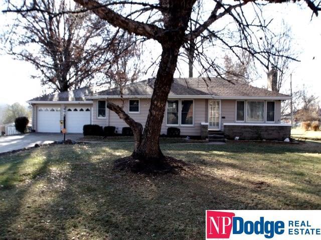5437 Crown Point Avenue, Omaha, NE 68104 (MLS #21820842) :: Nebraska Home Sales