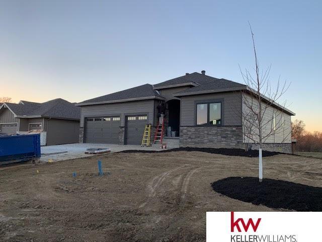 20902 Monroe Circle, Omaha, NE 68022 (MLS #21821235) :: Omaha's Elite Real Estate Group