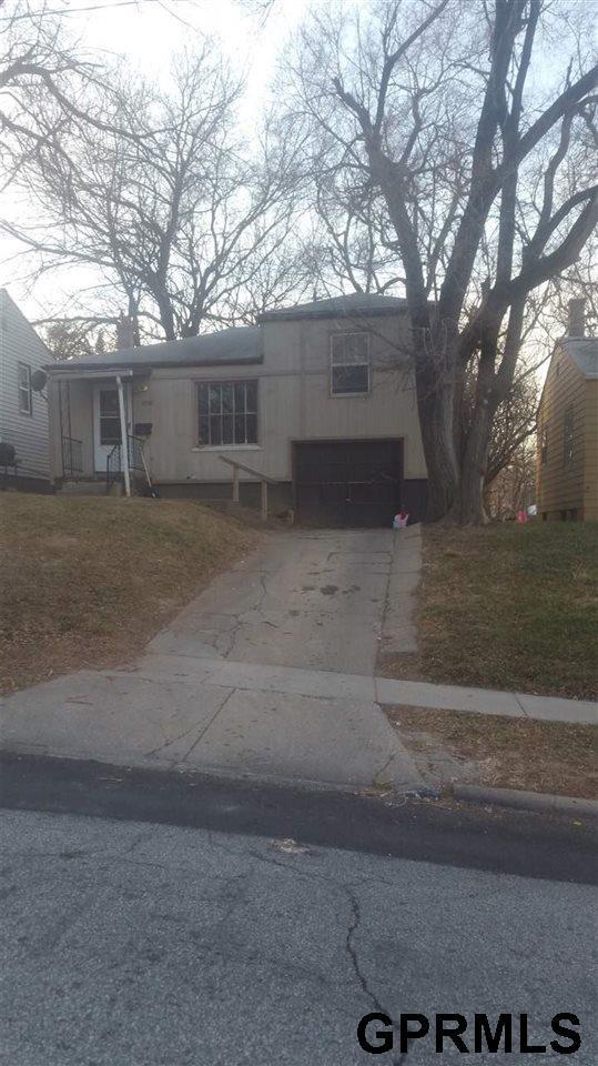 3740 N 42 Street, Omaha, NE 68111 (MLS #21822213) :: The Briley Team