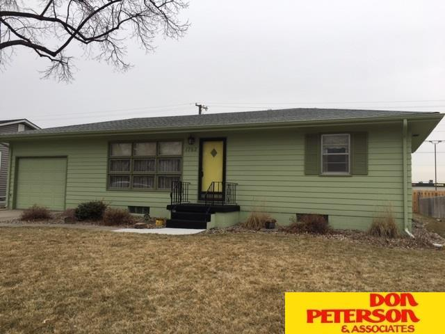 1762 N Austin Lane, Fremont, NE 68025 (MLS #21900684) :: Dodge County Realty Group
