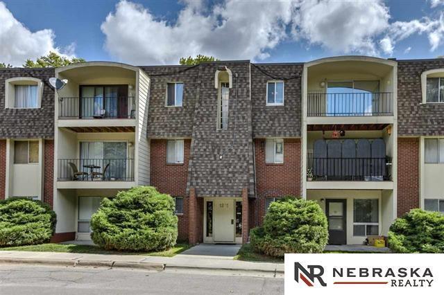 1231 S 121 Plaza #311, Omaha, NE 68144 (MLS #21900838) :: Complete Real Estate Group