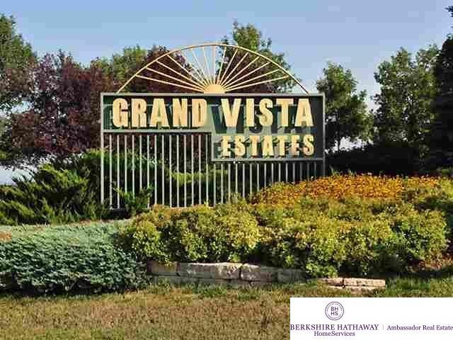 12668 S 229 Street, Gretna, NE 68028 (MLS #21901135) :: Omaha Real Estate Group