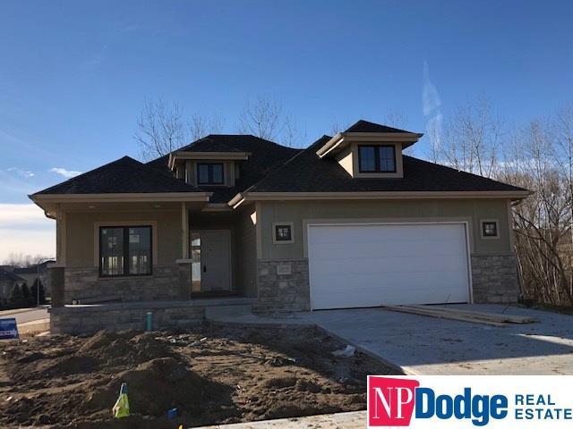 10056 Emiline Street, La Vista, NE 68128 (MLS #21901426) :: Omaha's Elite Real Estate Group