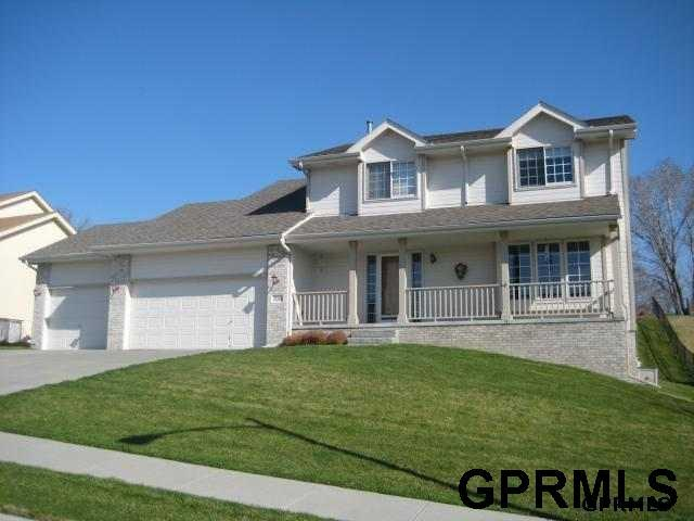 2106 Greenwald Street, Bellevue, NE 68123 (MLS #21903692) :: Omaha's Elite Real Estate Group