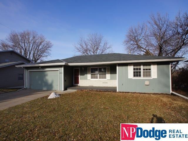 2304 N 104 Circle, Omaha, NE 68134 (MLS #21903763) :: Cindy Andrew Group