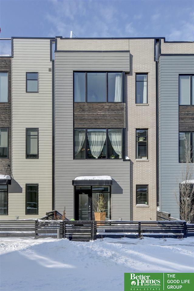 1208 S 10th Court, Omaha, NE 68108 (MLS #21903898) :: Nebraska Home Sales