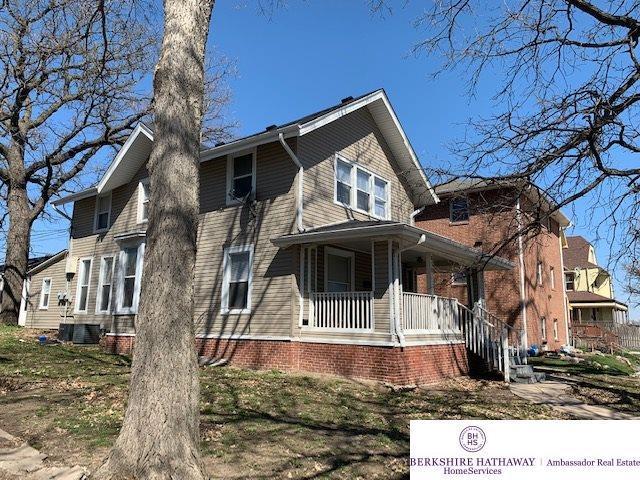 830 S 29 Street, Omaha, NE 68105 (MLS #21906359) :: Nebraska Home Sales