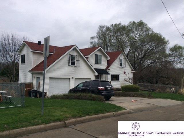 5214 S 49 Street, Omaha, NE 68117 (MLS #21906615) :: Omaha Real Estate Group