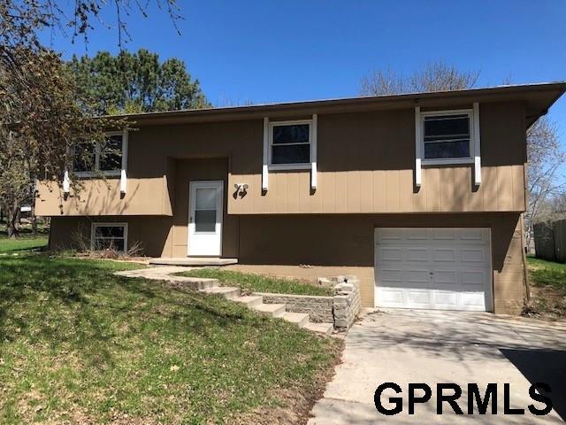 11915 N 157 Circle, Bennington, NE 68007 (MLS #21906978) :: Omaha's Elite Real Estate Group