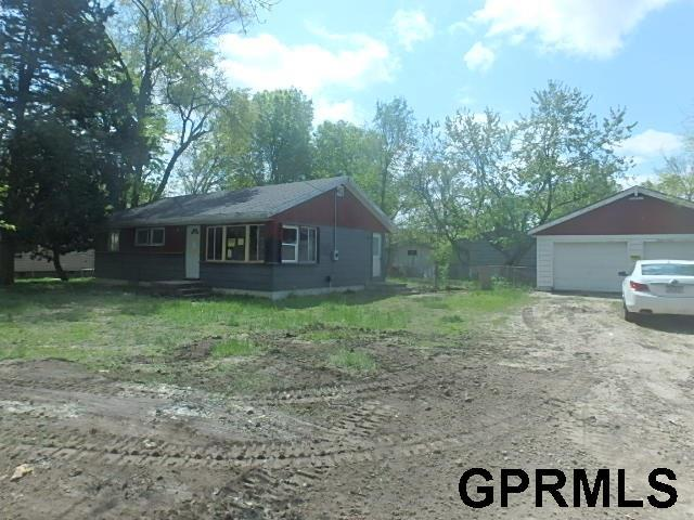 24215 King Lake Road, Valley, NE 68064 (MLS #21909408) :: Dodge County Realty Group
