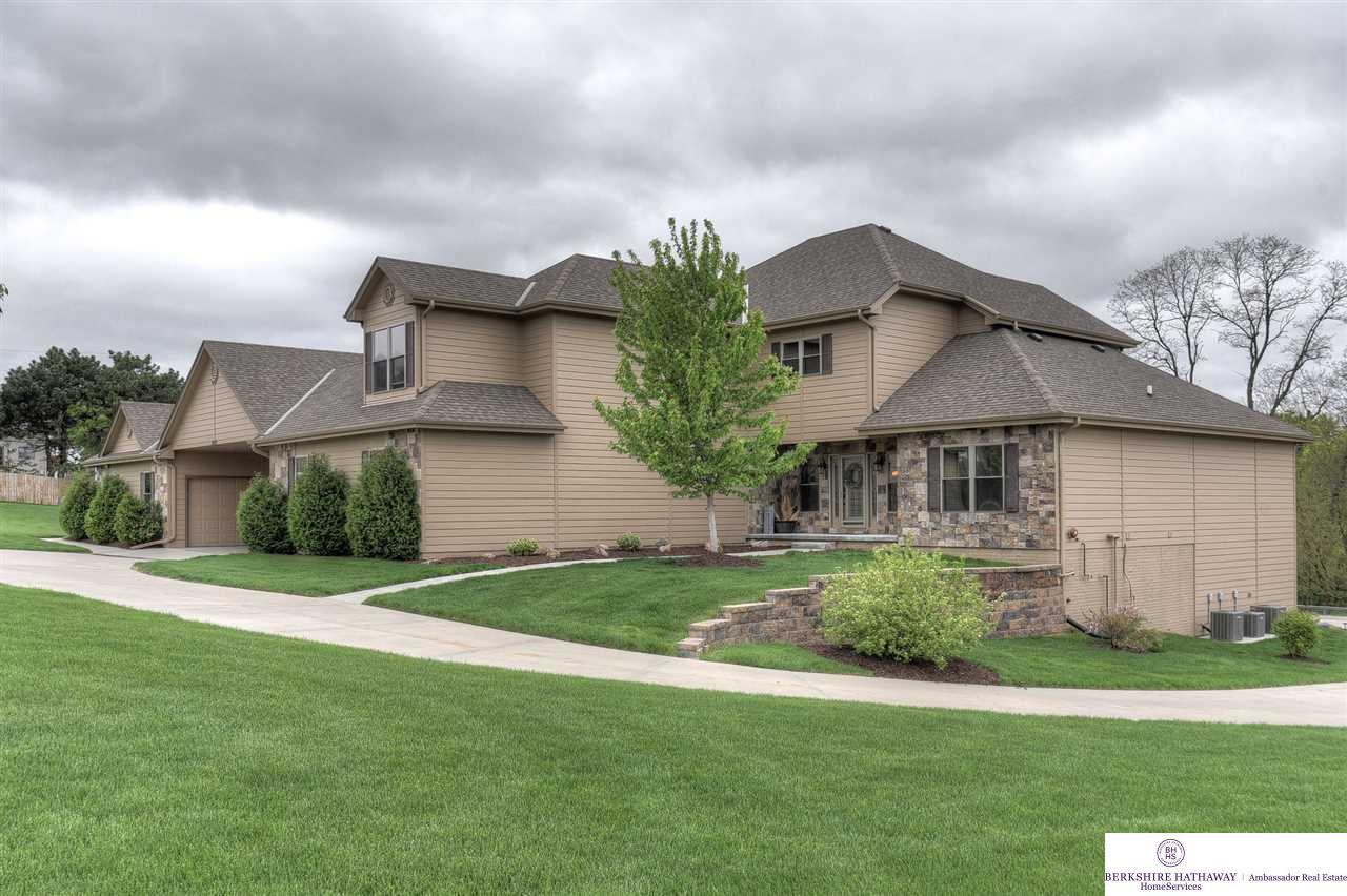 13472 S 36th Street, Bellevue, NE 68123