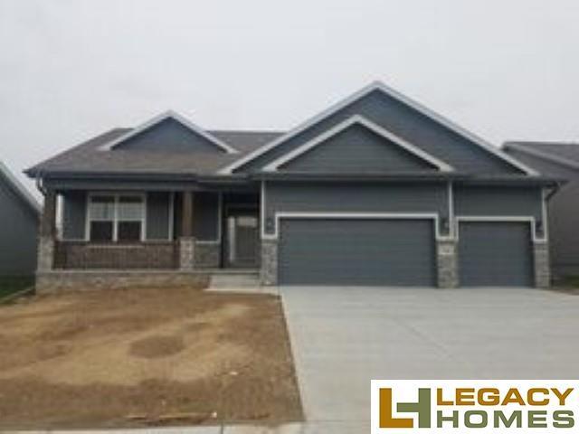 7806 S 184th Terrace, Omaha, NE 68136 (MLS #21909989) :: Omaha's Elite Real Estate Group