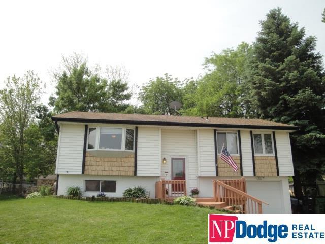 213 E Glenmore Drive, Gretna, NE 68028 (MLS #21910950) :: Dodge County Realty Group