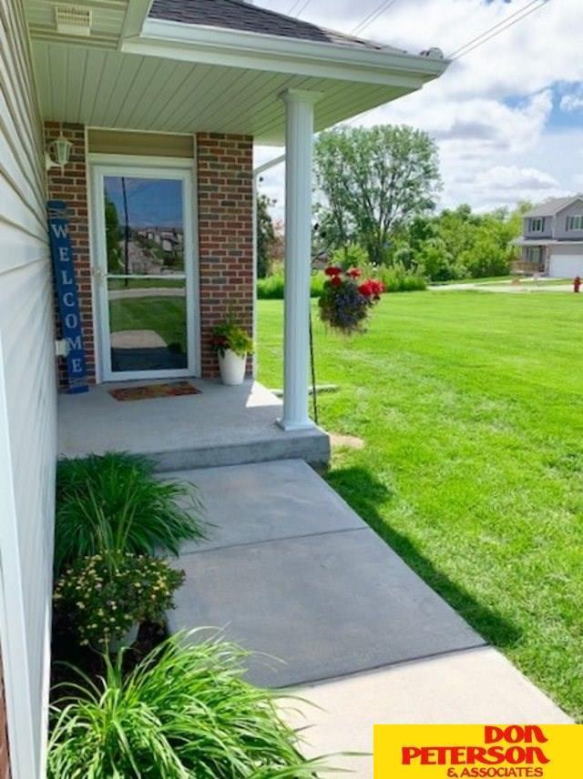 2310 N 91st Street, Lincoln, NE 68507 (MLS #21913275) :: Omaha's Elite Real Estate Group
