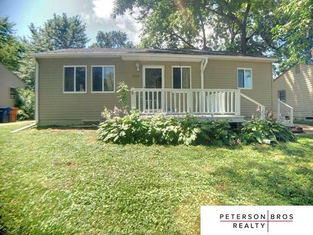 905 W 31St Avenue, Bellevue, NE 68005 (MLS #21915426) :: Nebraska Home Sales