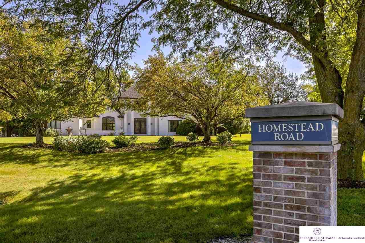 22224 Homestead Road, Elkhorn, NE 68022 (MLS #21916962) :: Nebraska Home  Sales