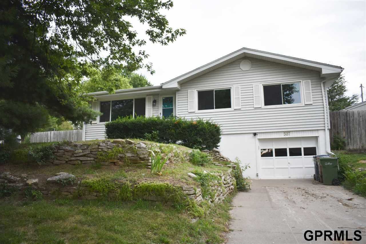 507 Nob Hill Terrace - Photo 1
