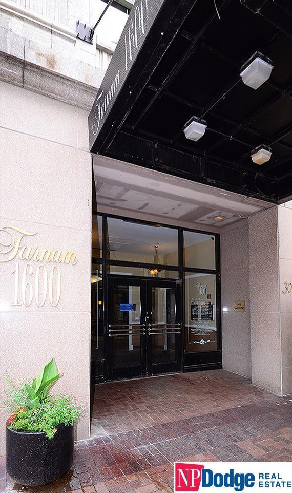 300 S 16 Street #1104, Omaha, NE 68102 (MLS #21917448) :: Omaha's Elite Real Estate Group