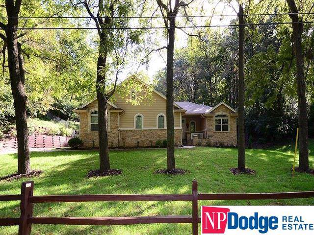 453 Washington Street, Bellevue, NE 68005 (MLS #21923565) :: Omaha's Elite Real Estate Group
