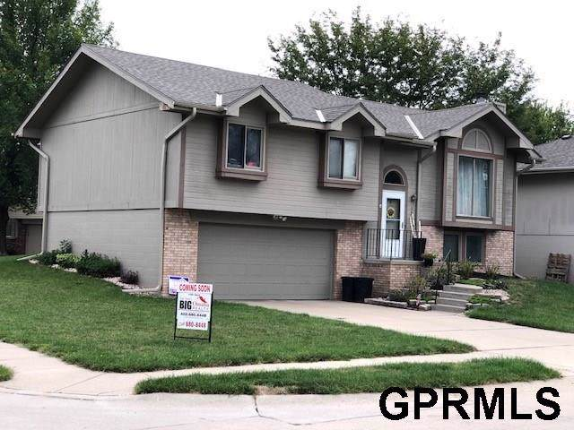 15226 Valley Street, Omaha, NE 68144 (MLS #21924656) :: The Briley Team