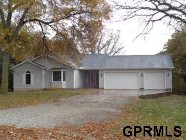 2039 Oak Drive, Missouri Valley, IA 51555 (MLS #21925192) :: Dodge County Realty Group